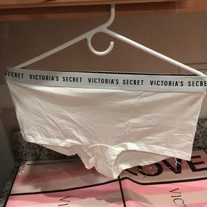 Victoria's Secret Intimates & Sleepwear - 💖 Victoria's Secret Shortie Panty